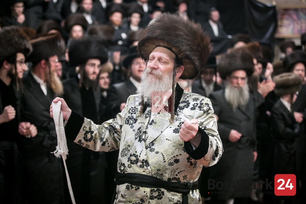 Anticipation in Advance of Wedding in the Courts of Burshtin, Toldos Aaron, and Melitz