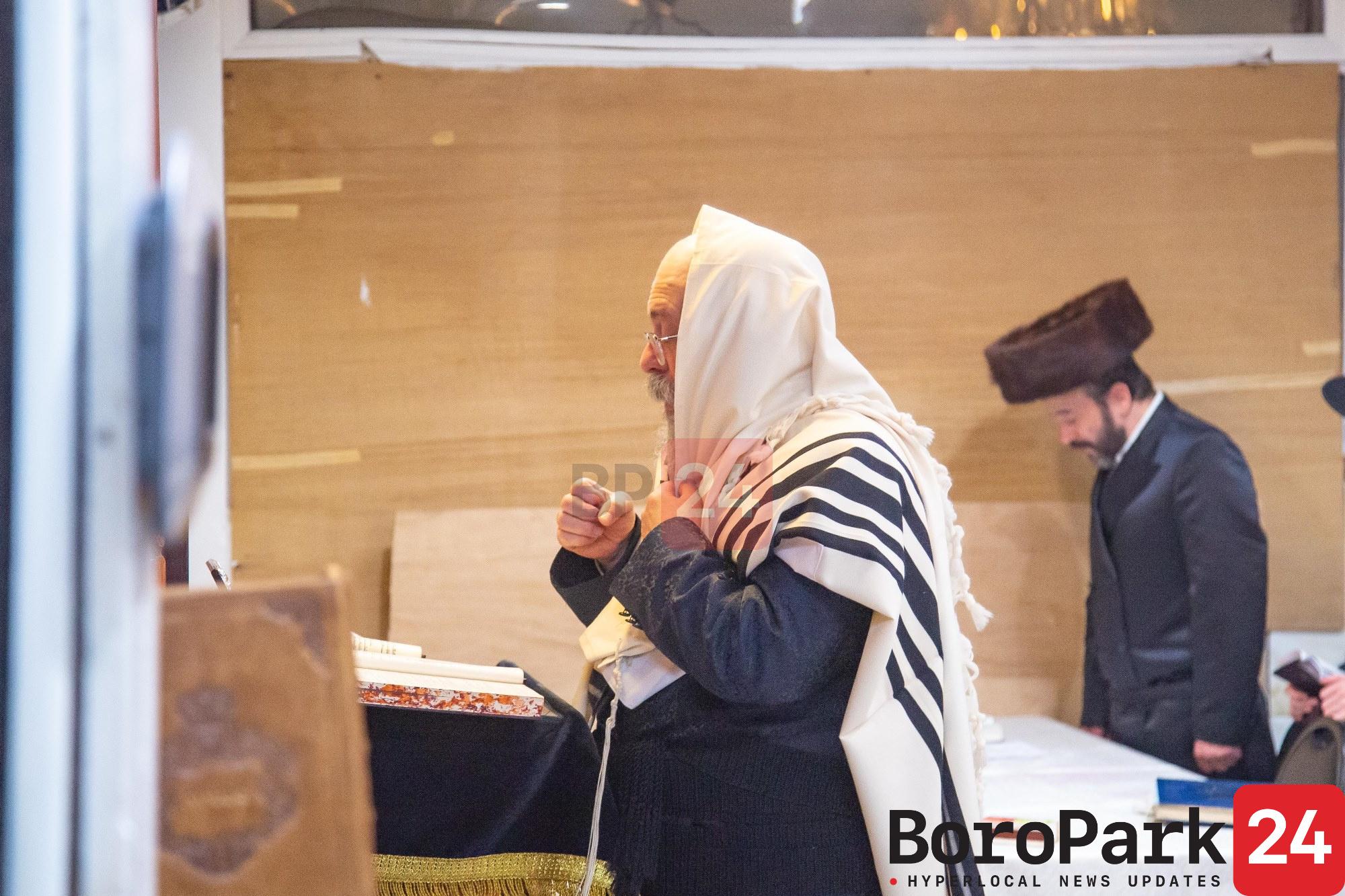 Rebbes and Rabbanim of Boro Park Recite the First Selichos