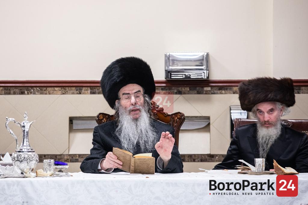Aleksander Rebbe visits Boro Park