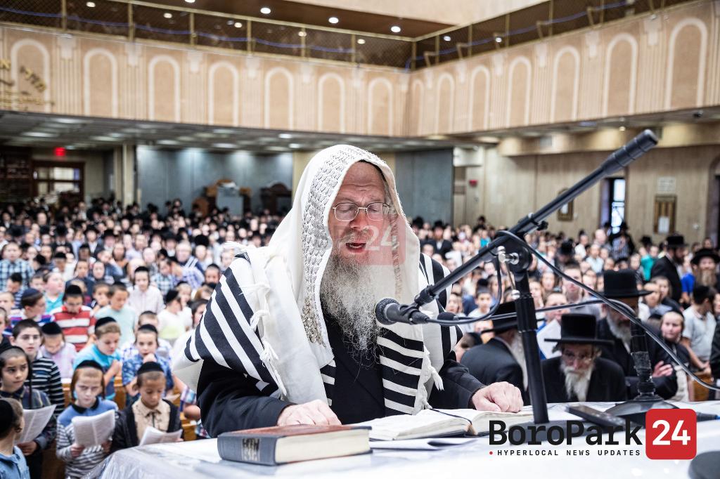 Photo Gallery: The Tinnokos Shel Bais Rabban of Brooklyn gather for the annual Atzeres Tefillah in the Bobover Beis Medrash arranged by Misaskim