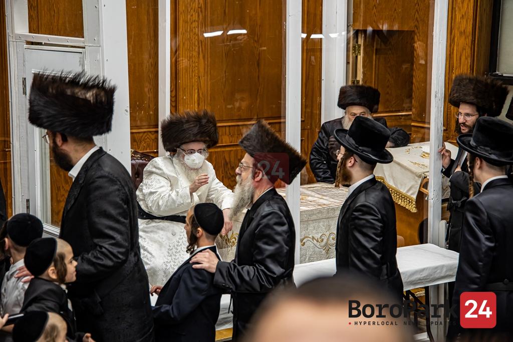 Motzei Rosh Hashanah in Sanz Klausenberg