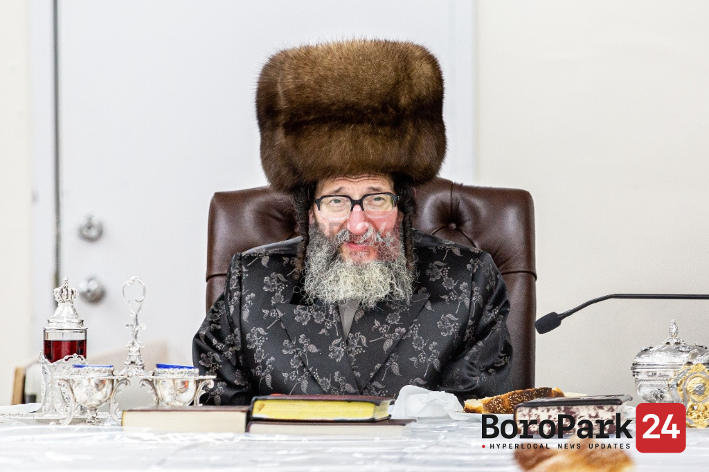 Skulen Gathers for Tefillos as Rebbe Undergoes Medical Procedure