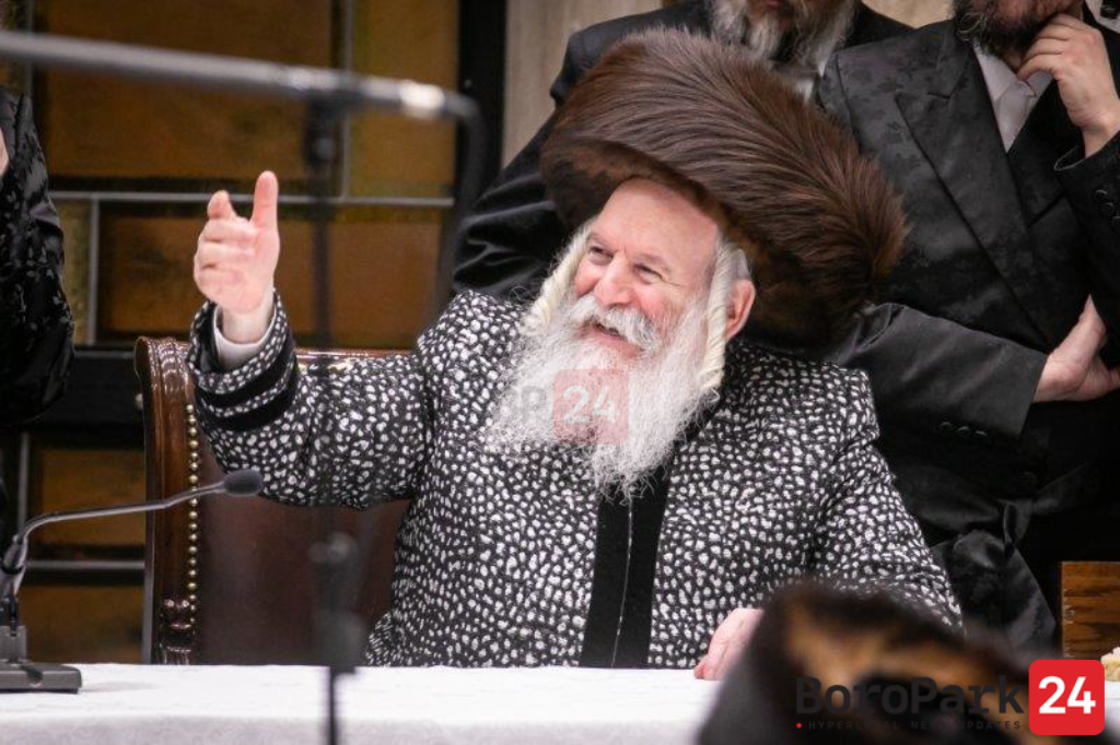 Bobover Rebbe Promises $5,000 for Shadchan of Older Single