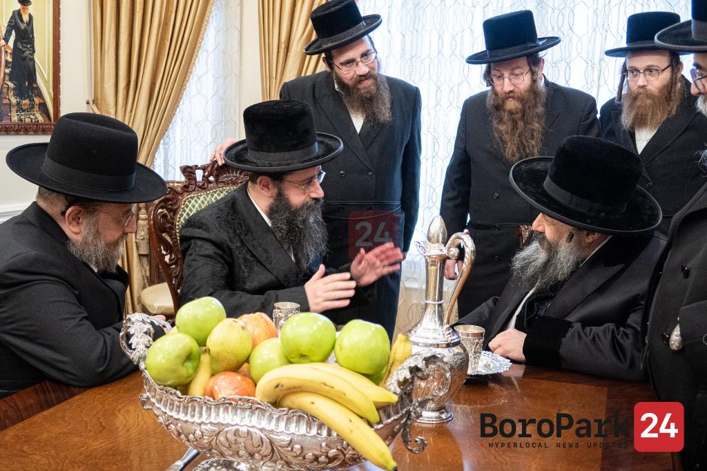 Tolna Rebbe Visits Boro Park