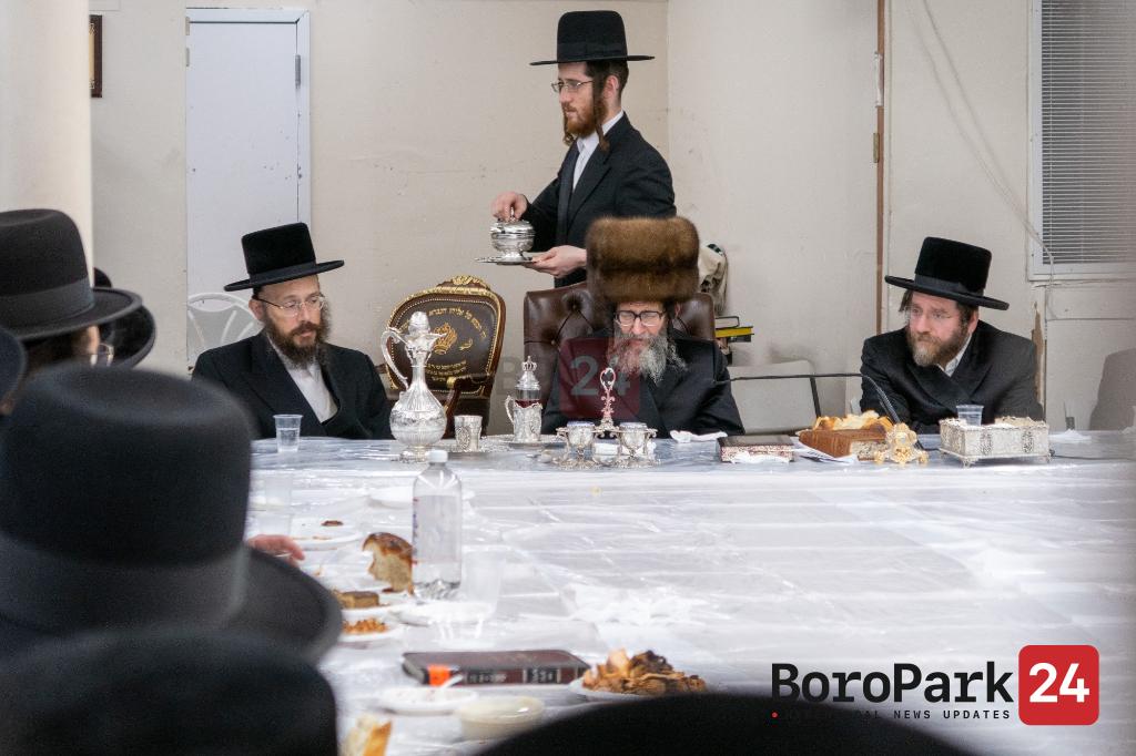Skulen Rebbe at the Isri Chag Sukkahs Tish