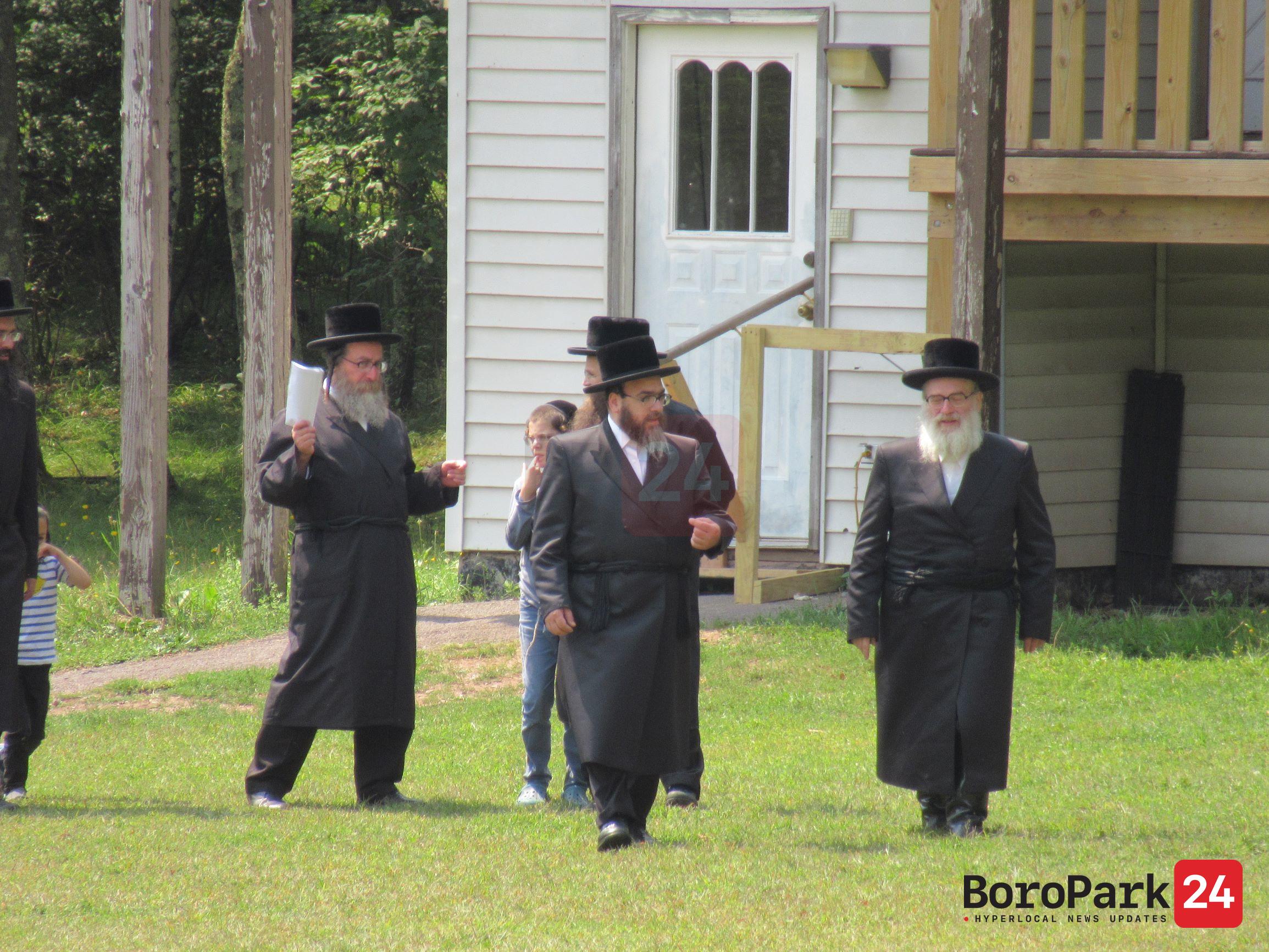 Rabbi Yitzchok Twersky Visits Camp Toldos Yakov Yosef Skver
