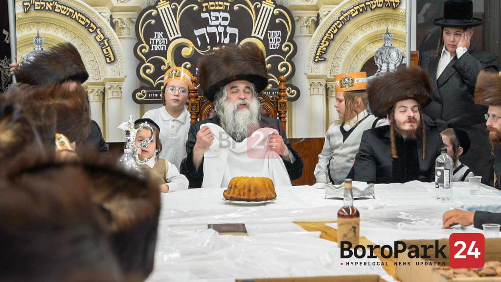 Hachnusas Seifer Torah to the Shar Hatefilah Chernovitz Shul in Williamsburg