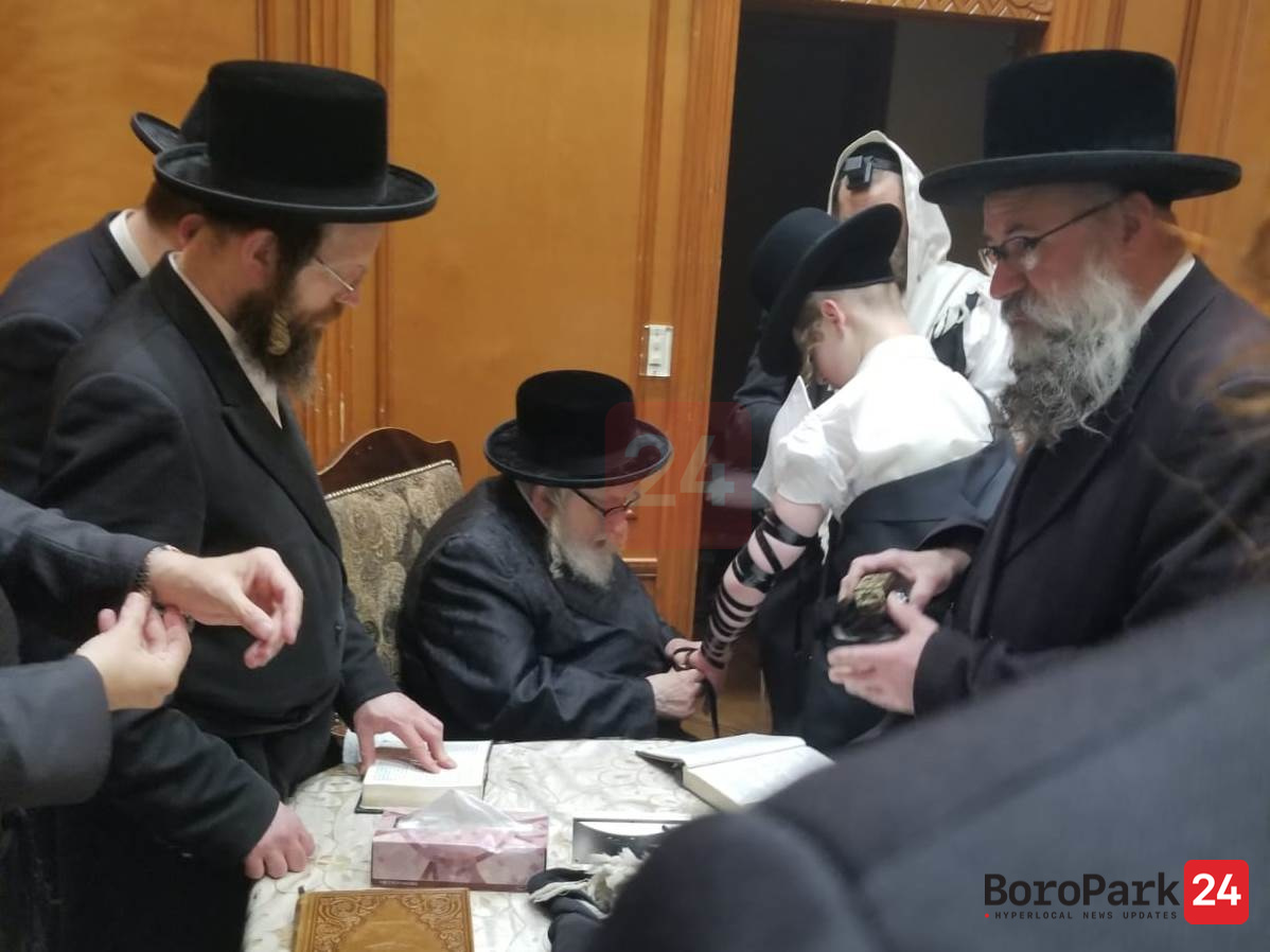 Rachmastrivka Institutes Rules for Hanachas Tefillin by the Rebbe