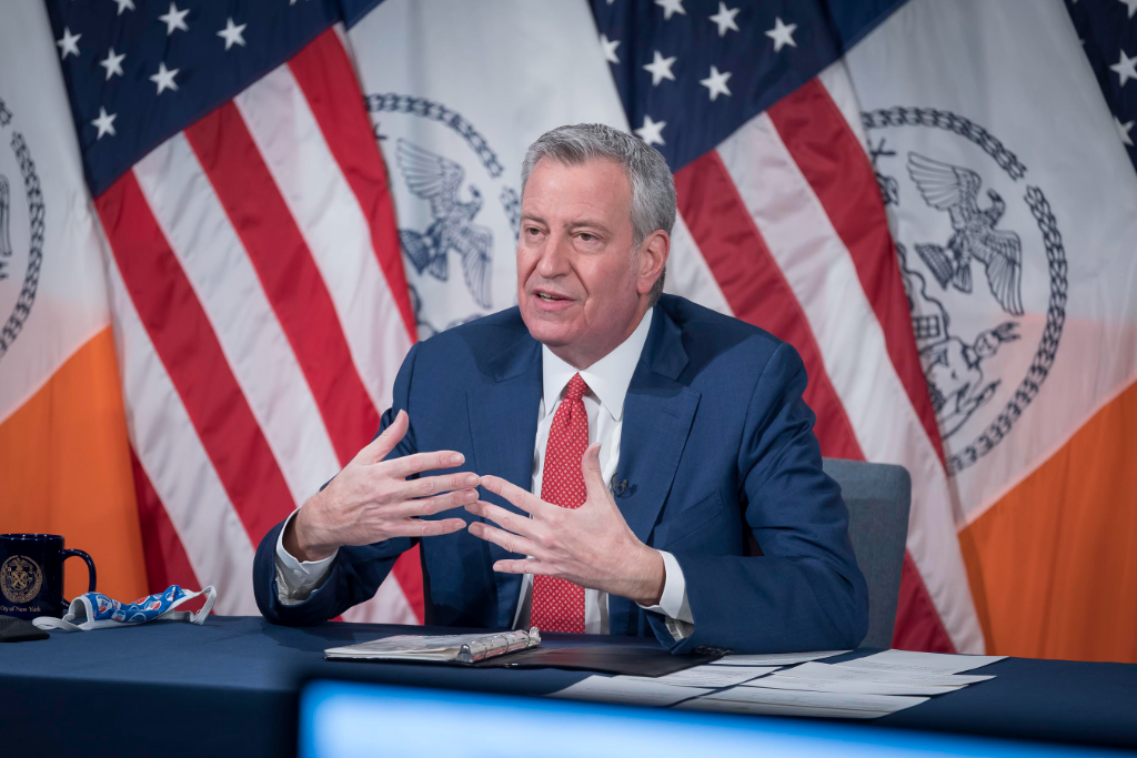 Mayor de Blasio Calls for Travel Ban from U.K. after State Reports 12 Cases of COVID variant