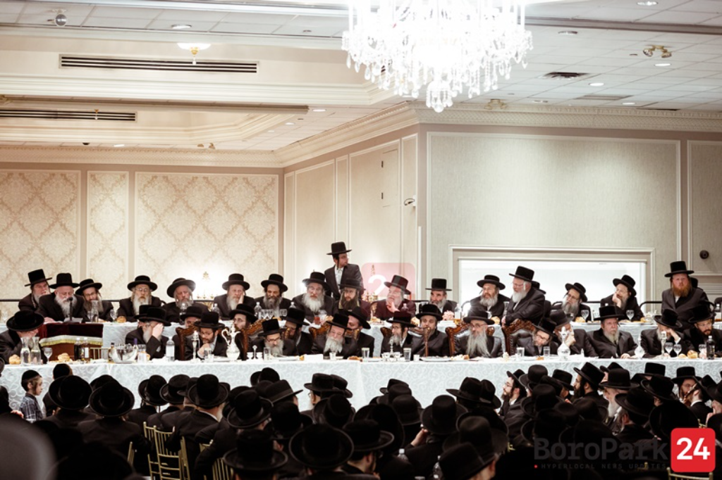 """Second Yohrtzeit of Skulener Rebbe, zy""""a, marked by his son, chassidim in Boro Park"""