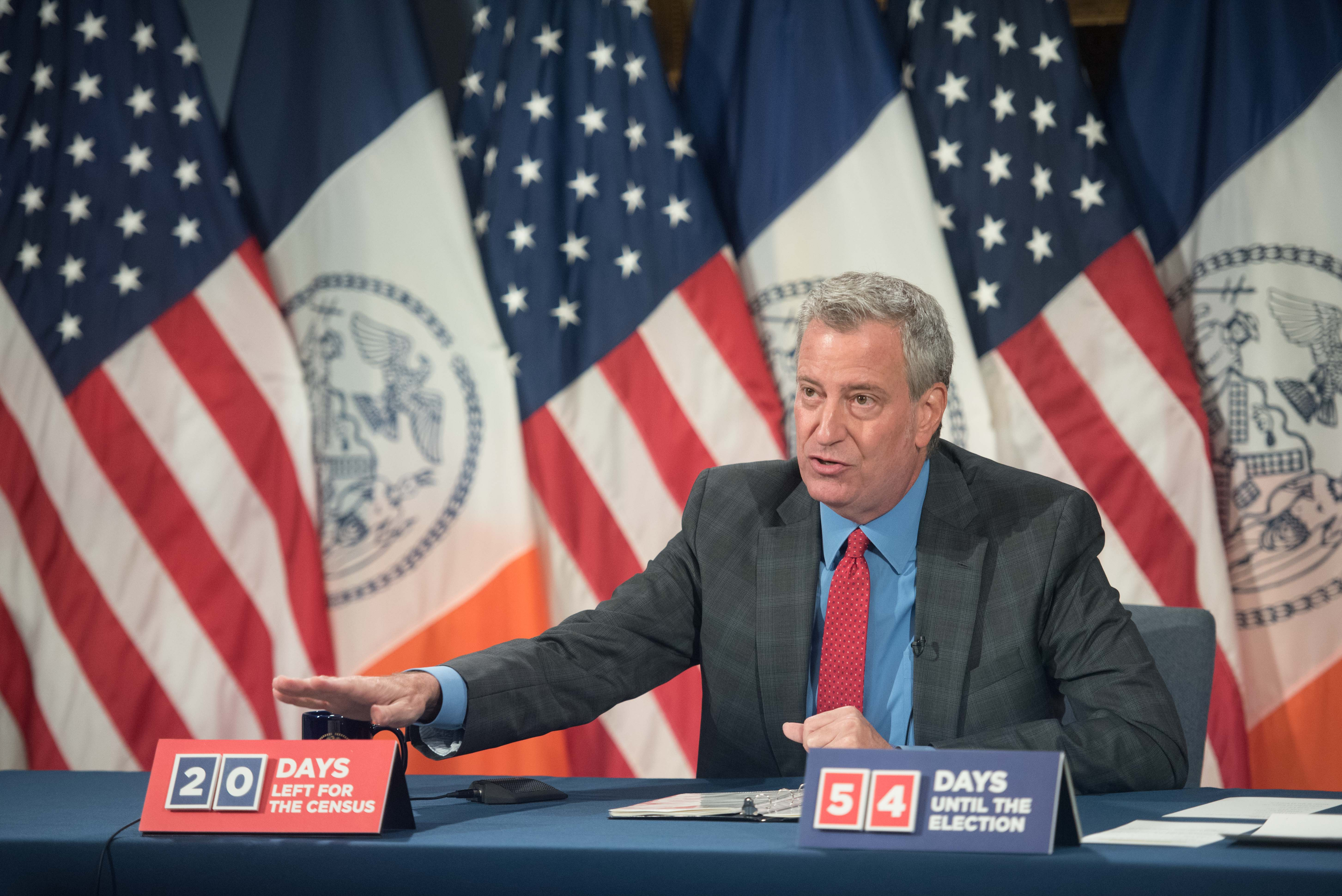 NYC Mayor Warns of New CDC Report that Links Increase in COVID-19 Cases to Eating Out
