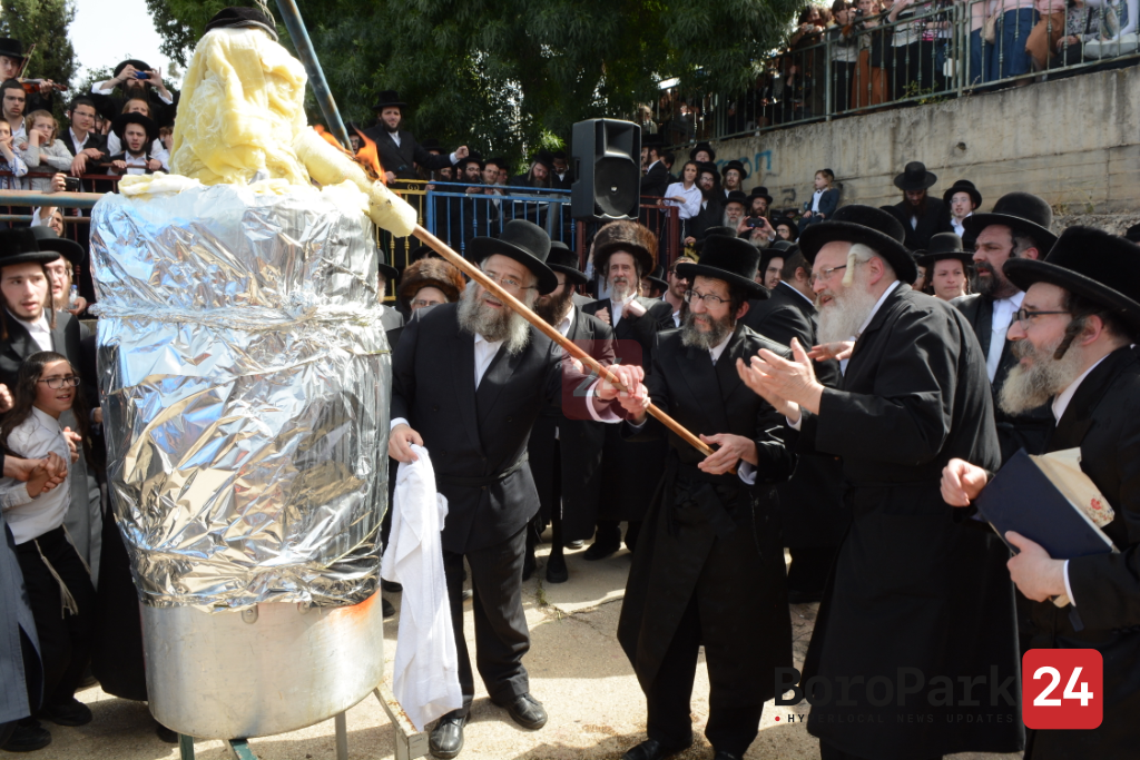 For the First Time in History, Skulener Rebbe to Light Hadlakah in Boro Park