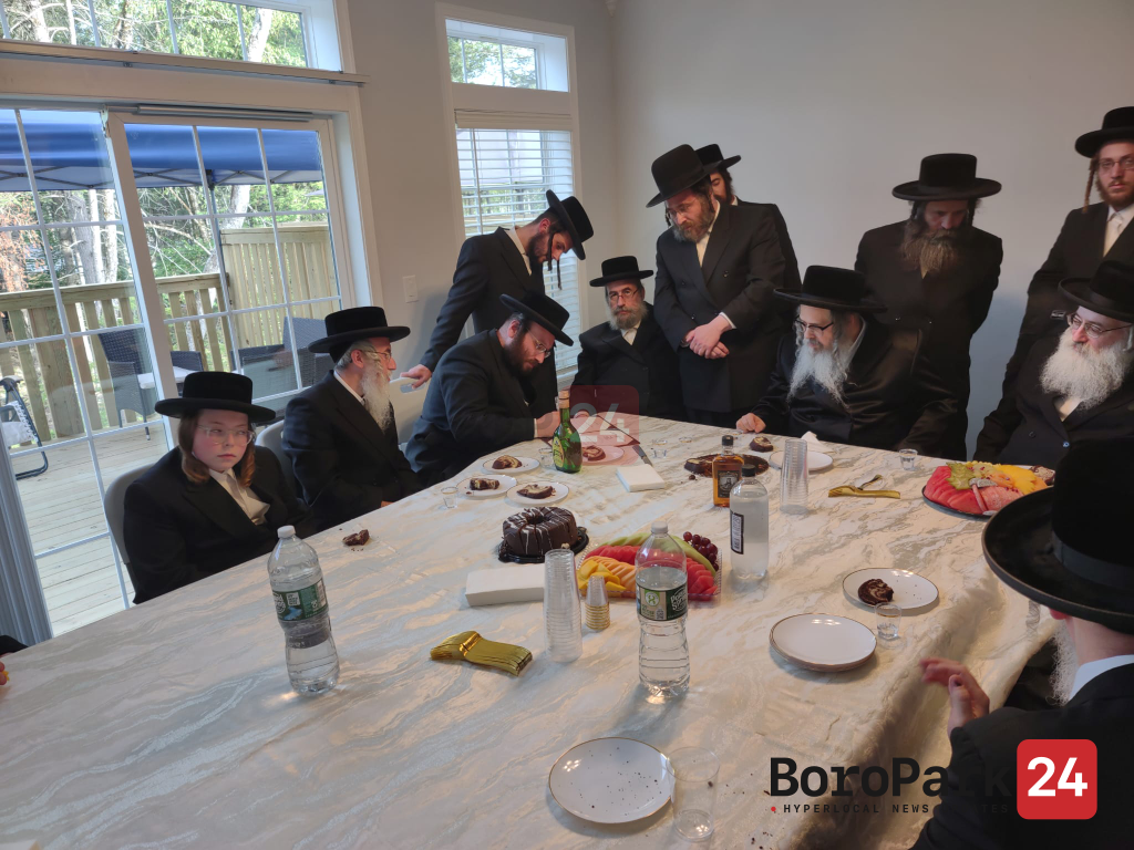 Satmar Rebbe by Kevias Mezuzah at the Home of R' Alter Bitman in the New Mountain Wood Country