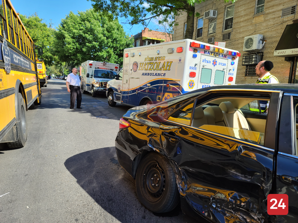 Accident with Injuries on 16th Ave and 44th Street