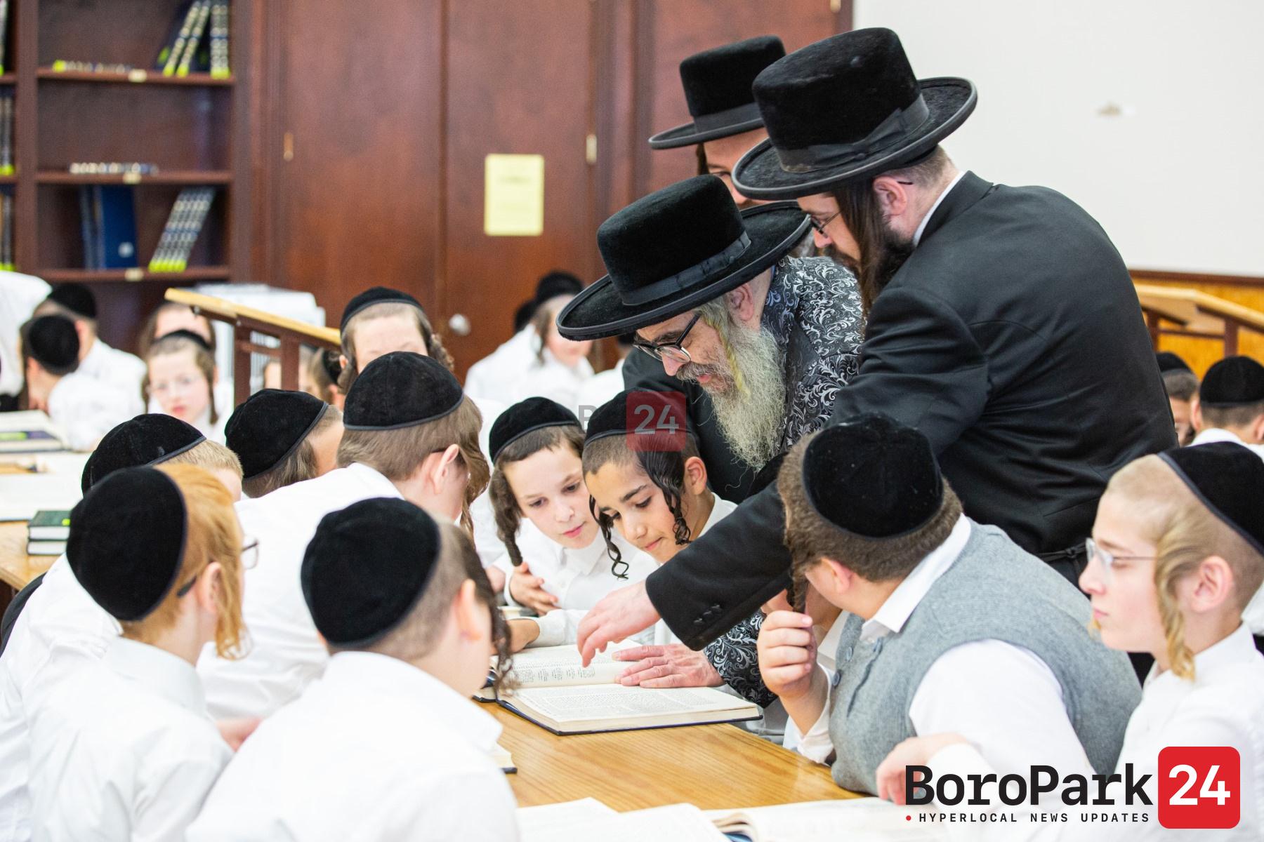 Satmar Rebbe Visiting Camp Rav Tov – Camp Nosson Tzvi D'Satmar in Monticello