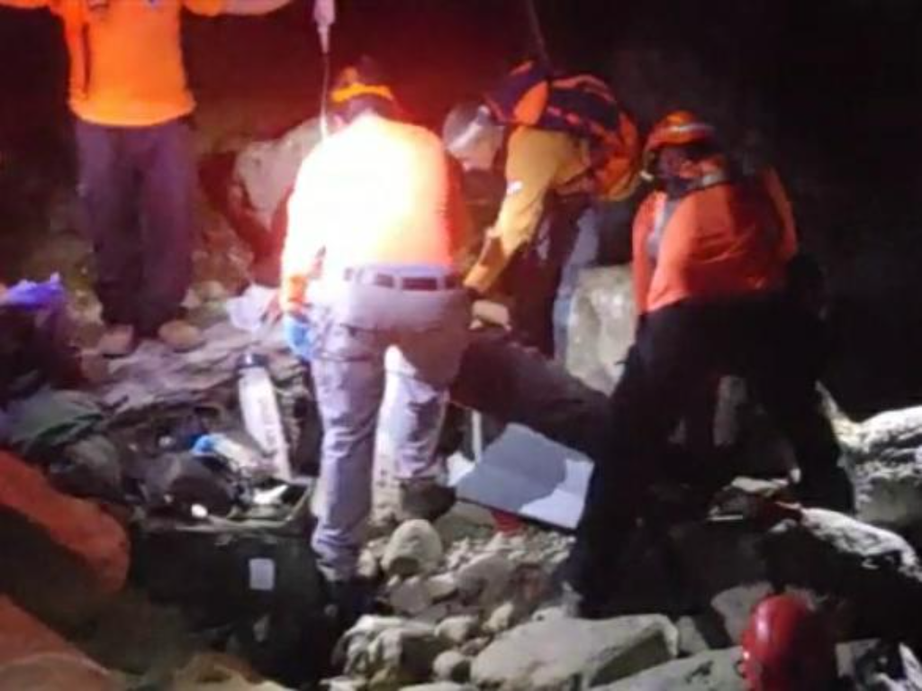 TEHILLIM: Boro Park Bachur in Critical Condition from Heatstroke on Mt. Hermon