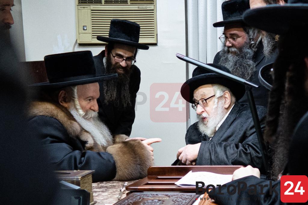 Bobov Rov Visiting The Rachmestrivka Rebbe