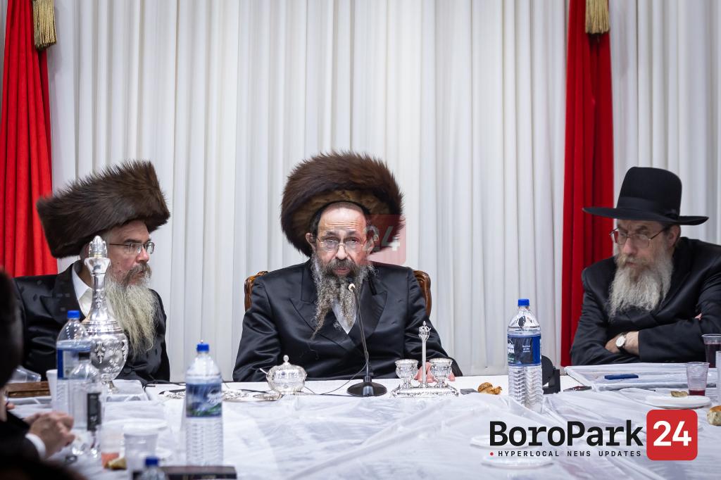 Sukkahs in Toldos Yehudah Stitchin