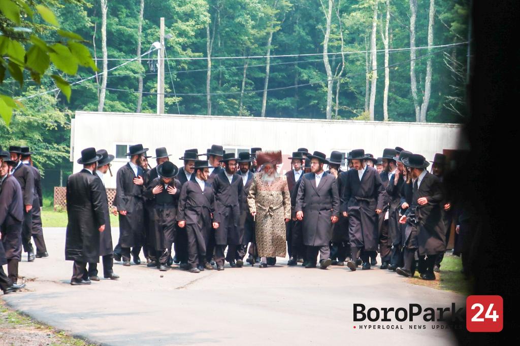 Bris for great Grandson of the Satmar Rebbe in Camp Divrei Yoel Satmar