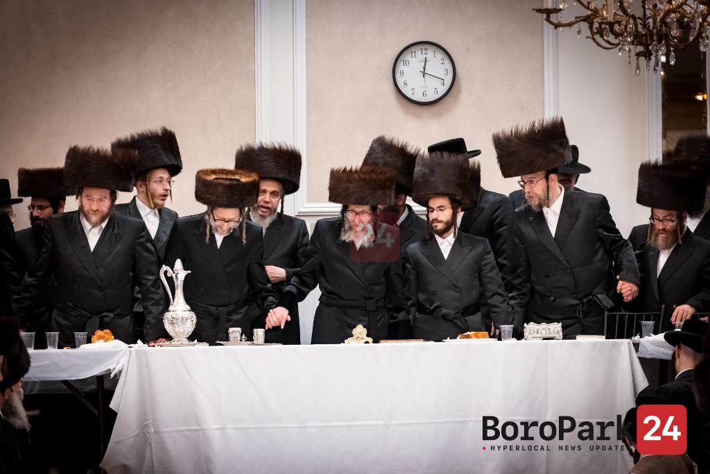 Skulen Rebbe Motzei Shabbos in Kiryas Yoel