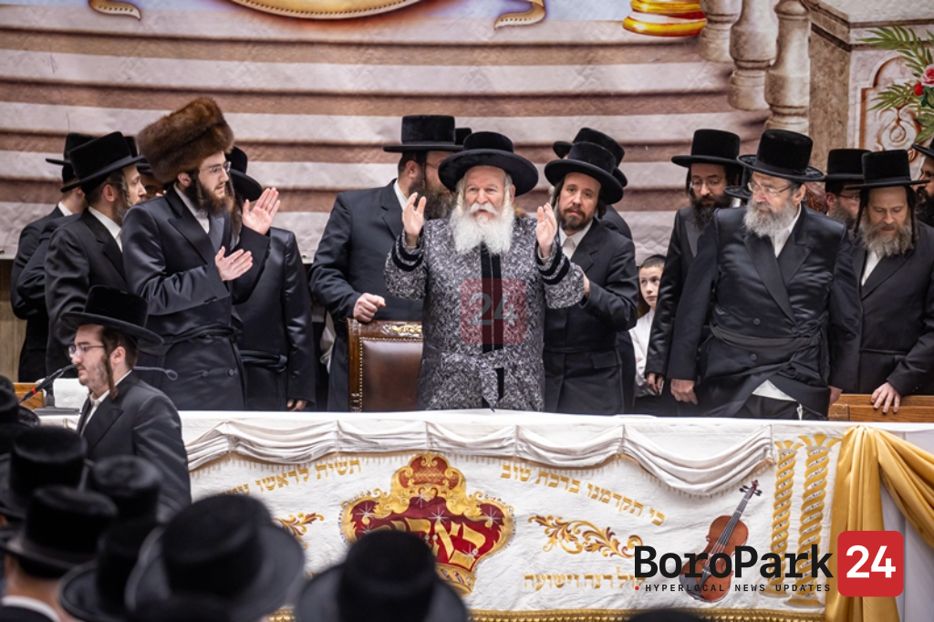Photo Gallery: Bobov Celebrates Tenoyim of the Rebbe Shlita's Grandson